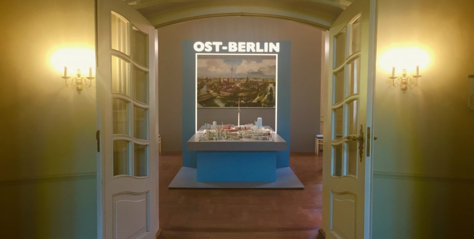A nostalgic look to the life in East-Berlin #Exhibitionbuzzy